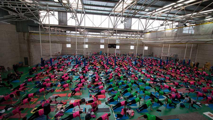 800 personas en el III Pilates Solidario por AFANION