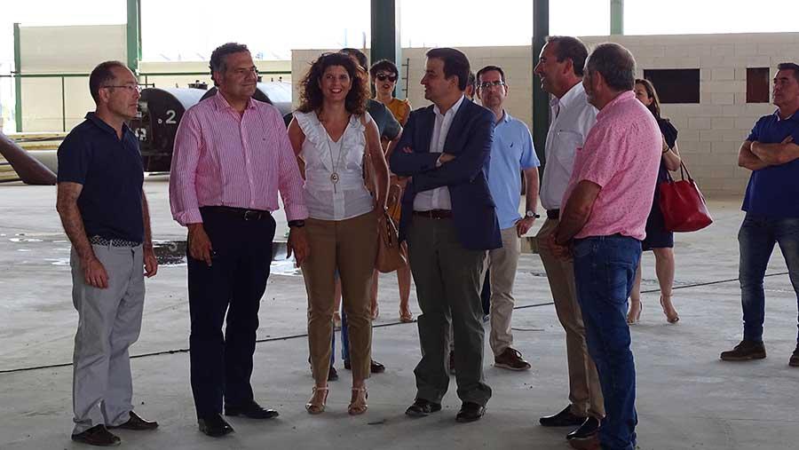 Visita del Consejero de Agricultura, Medio Ambiente y Desarrollo Rural, Francisco Martínez Arroyo